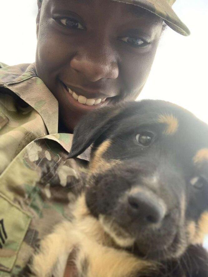 солдатка и щенок