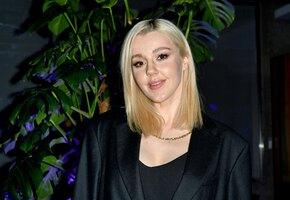 Юлианна Караулова предстала перед подписчиками без макияжа и в купальнике