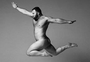 Мужчины с неспортивными фигурами снялись в фотопроекте о бодипозитиве