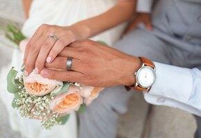 Экономная невеста решила сыграть свадьбу за 100 долларов и рассердила многих просьбами о пожертвованиях