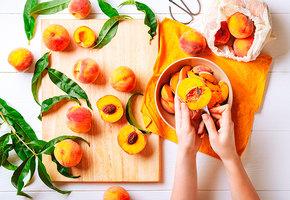 Необычное варенье: черешня с миндалем, груши в мускате, персики на сковороде