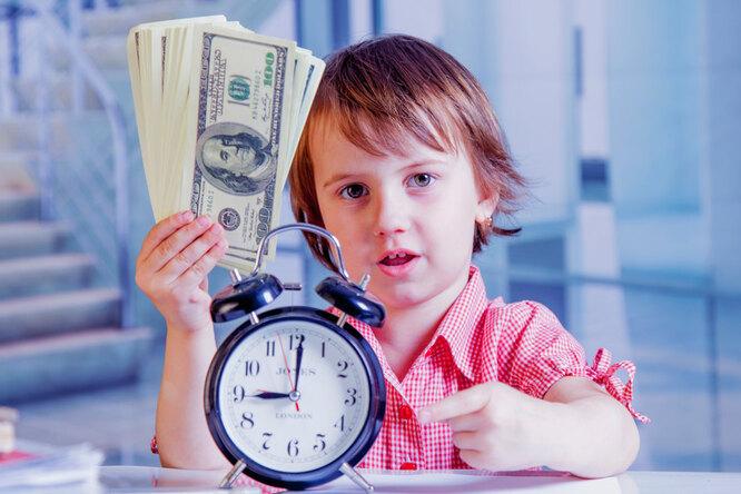 Куда обращаться, если задерживают выплату детских пособий? Мнение юриста