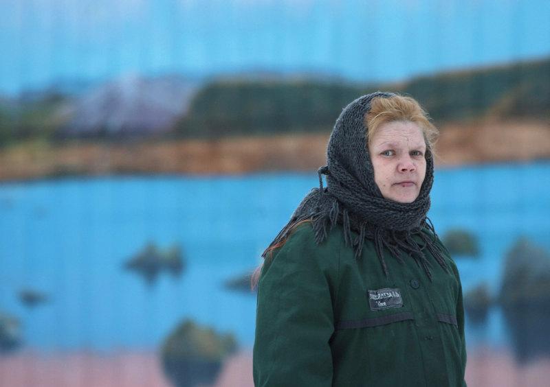 Женщина вколонии Северодвинска. Фото: РИА Новости
