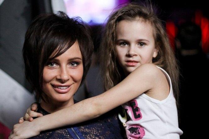 «Малыш-улыбашка»: мама 4 детей Саша Зверева показала фото всей семьи
