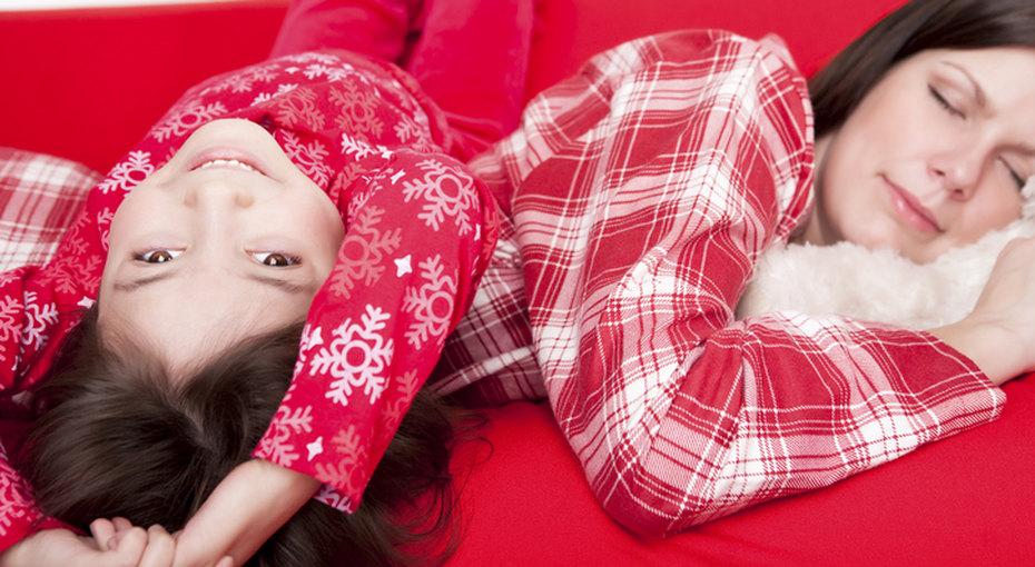 5 советов эксперта: как уложить разгулявшихся детей спать вновогоднюю ночь