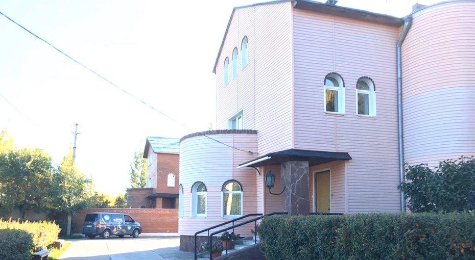 Бизнесмен изОмска подарил свой трехэтажный коттедж детскому хоспису