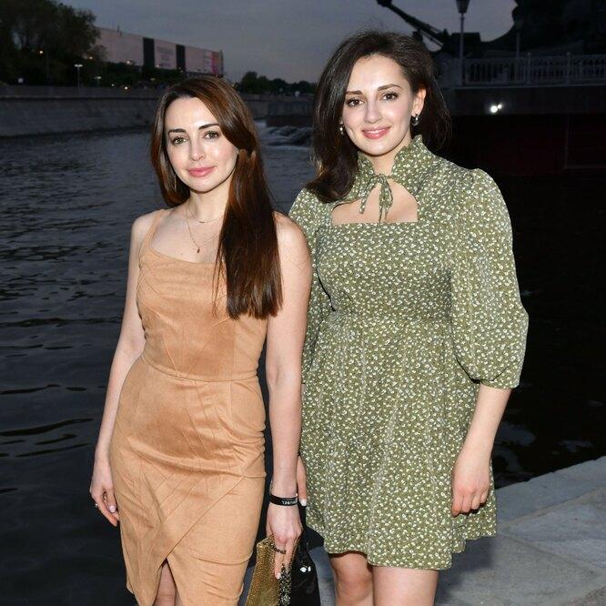Лика Каширина с сестрой Кристиной