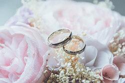 Первая годовщина свадьбы: как называется, что подарить, идеи дляпраздника