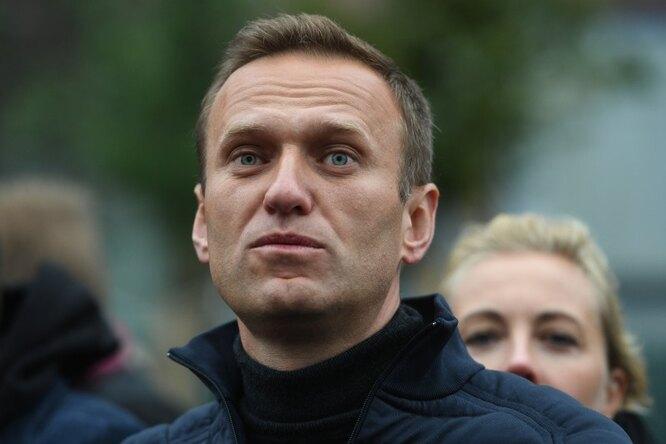 «Греет душу видеть ваши счастливые лица!» Алексей Навальный выложил фото сженой