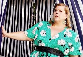 «Все женщины красивы». Gillette вступились за plus size модель, которую критиковали в сетях