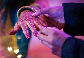Невеста прервала и отменила свадьбу: жених не знал, сколько будет дважды два