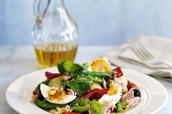 Прованский салат с тунцом и перцем
