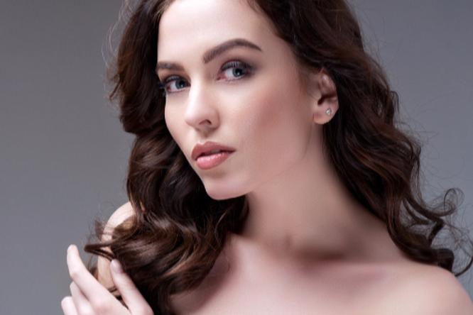 8 привычек, которые портят ваши волосы
