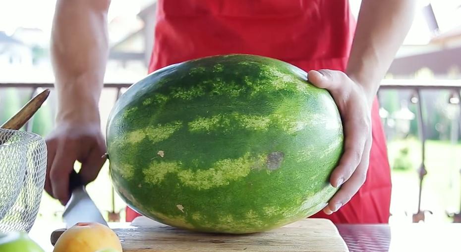 Как правильно порезать арбуз