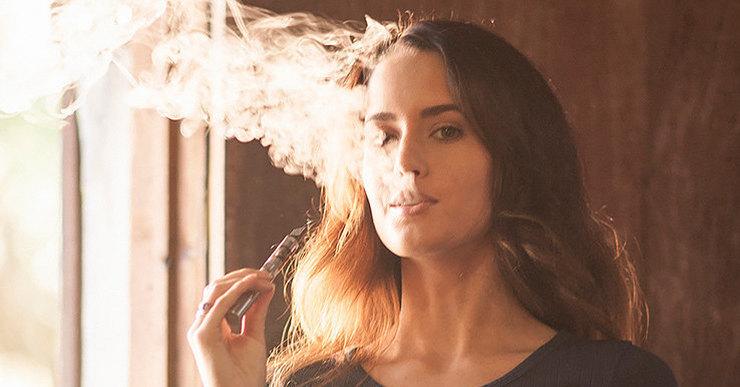 Уход за кожей курящей женщины