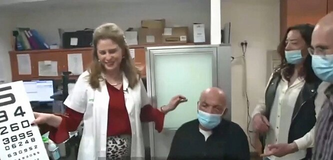 первая операция по имплантации искусственной роговицы