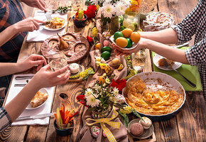 Рецепты для праздничного стола на Пасху: суп с фрикадельками, котлеты из щуки