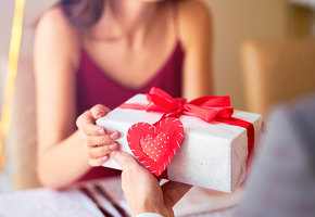 Идеи подарков к 8 марта — самые интересные и недорогие подарки