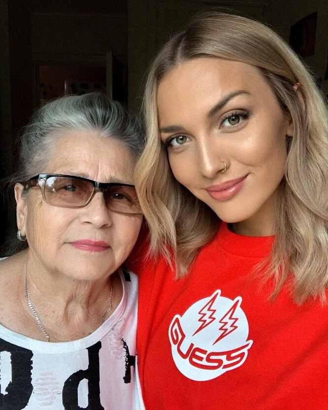 Mary Gu с бабушкой