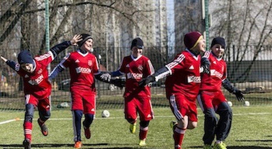 Ajax Camps открывает круглогодичную футбольную секцию