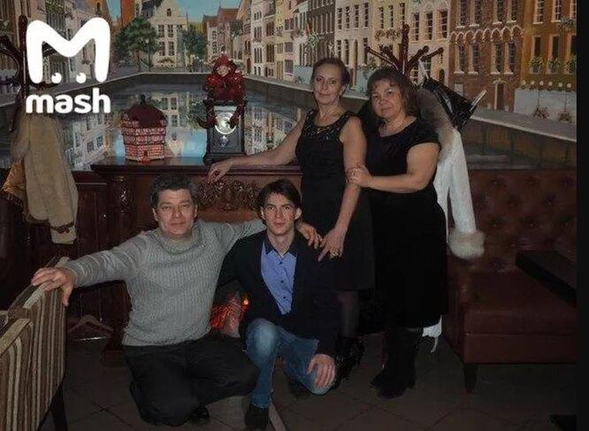 Сергей Захаров с семьей фото