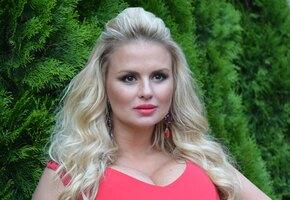 «Это шок!» Анна Семенович показала розовые волосы