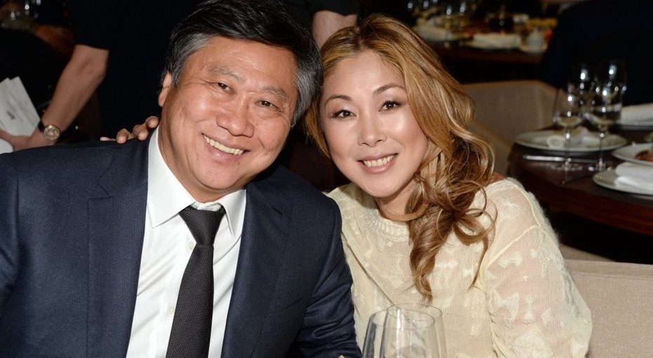 «Муж ввосторге»: Анита Цой иронизирует над«идеальным» подарком, который сделала супругу