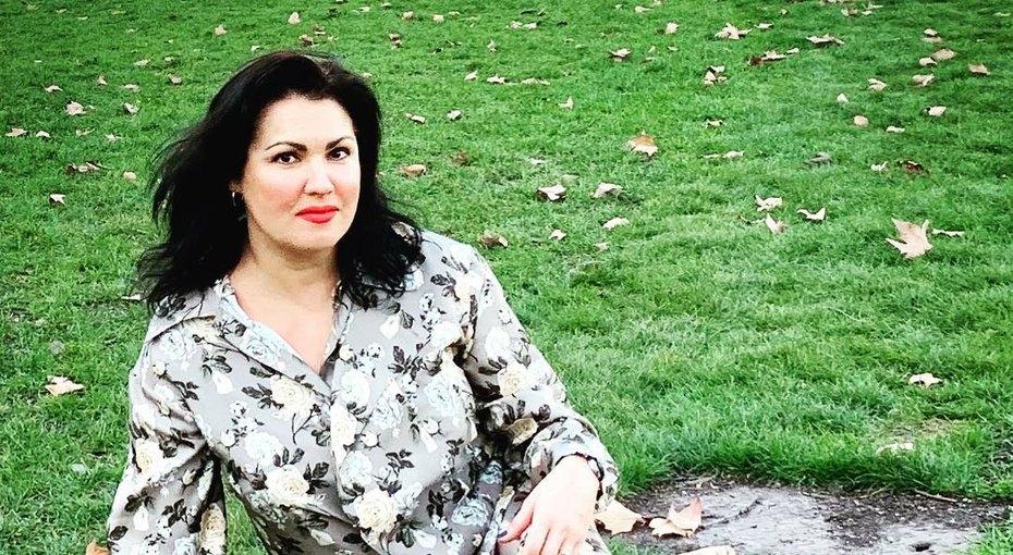 «Три разбойника лукавых»: Анна Нетребко выложила необычное фото смужем исыном