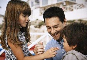 «Сына наказываю сильнее, потому что мальчик»: Антон Макарский рассказал о воспитании детей