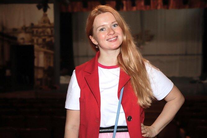 «Муж напапу похож»: Екатерина Копанова показала своих родителей вмолодости
