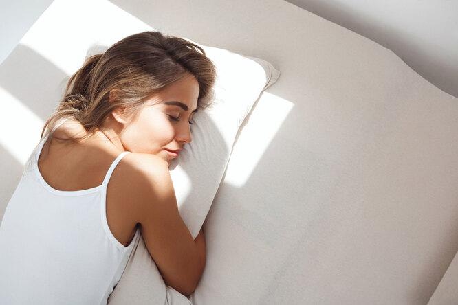 Девушка спит, как ускорить метаболизм в организме