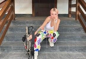«Как же тебе идёт этот цвет волос»: Настя Ивлеева показала как выглядела, когда приехала покорять Москву