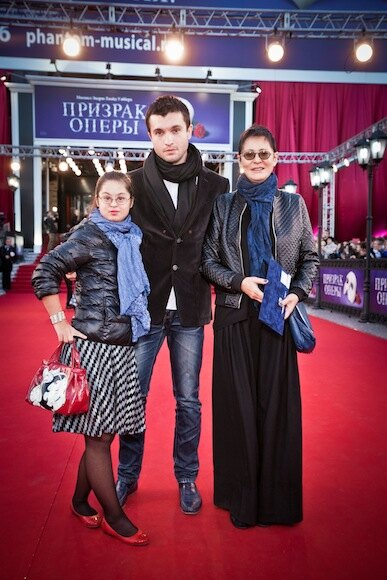 Ирина Хакамада с семьей