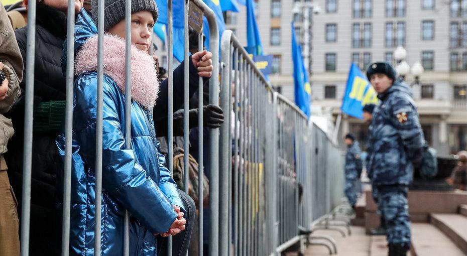 Митинг - первый шаг вдетдом: депутат предлагает лишать прав родителей митингующих детей
