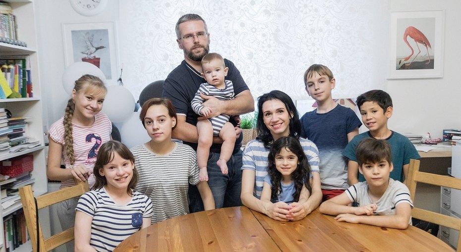 Мама восьмерых детей отом, зачем им понадобился девятый ребенок