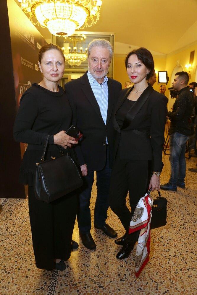 Вениамин Смехов с дочерью Аликой и супругой Галиной Аксеновой