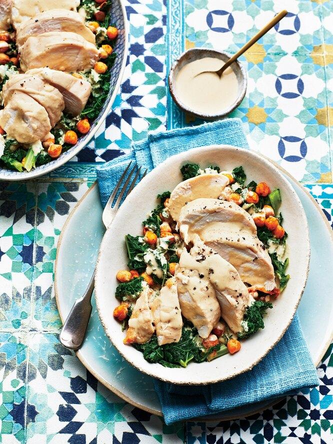 Салат из курицы и нута