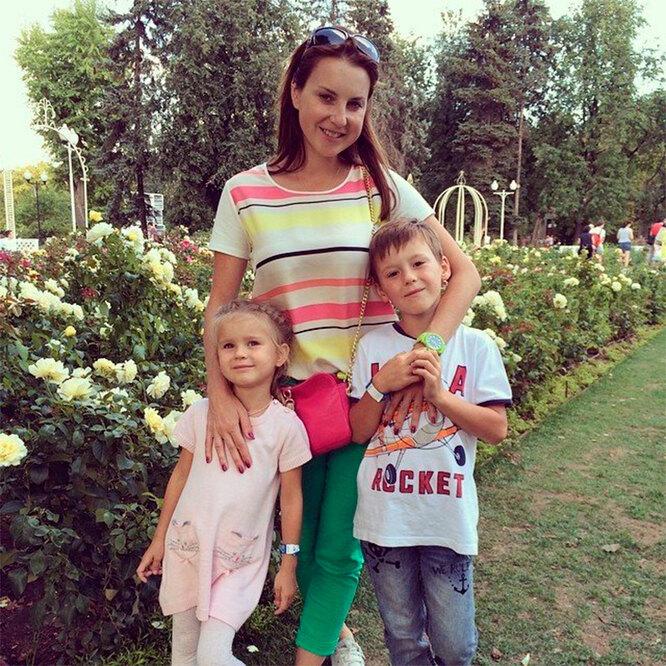Ирина Слуцкая с детьми от первого брака