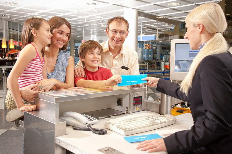 регистрация аэропорт семья дети билеты