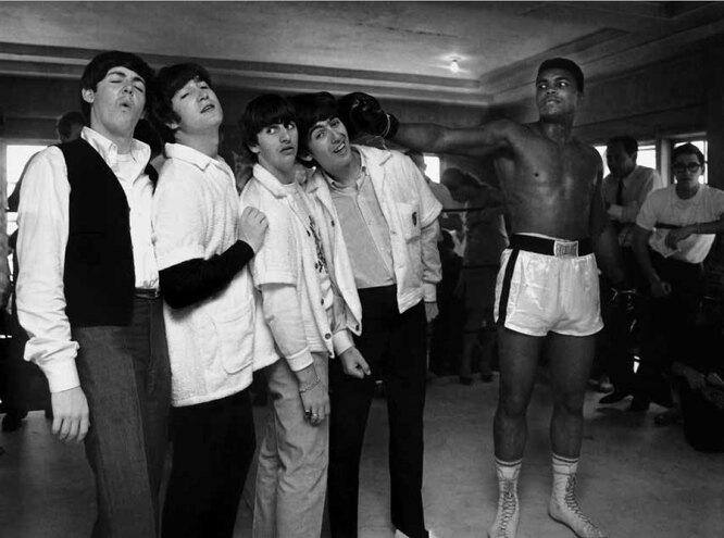 Гарри Бенсон Джордж получает удар от Кассиуса Клея. Зал на 5-й улице. Майями 1964