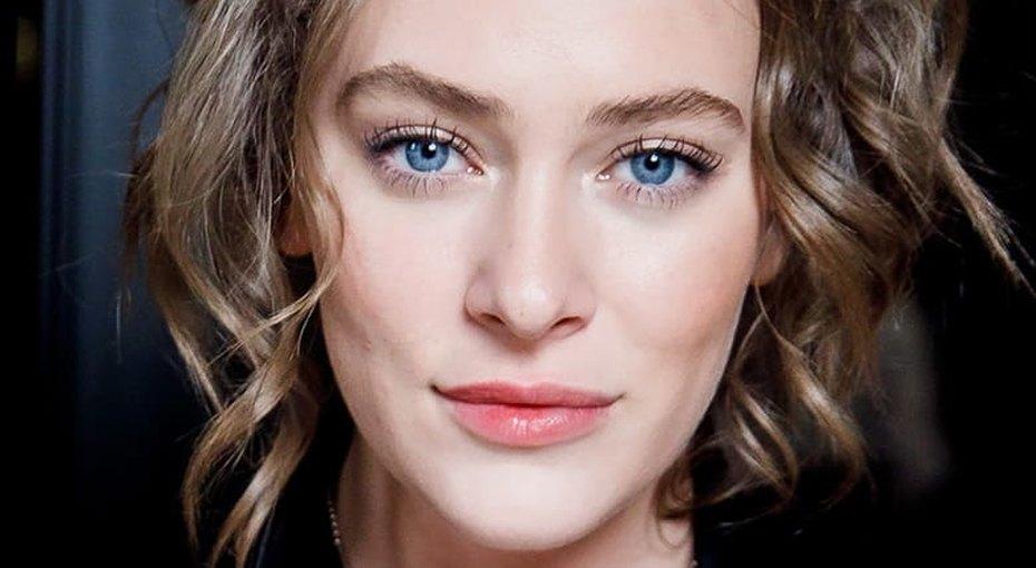 «Какая сладкая»: звезда фильма «Лед» Аглая Тарасова показала, как выглядела вдетстве