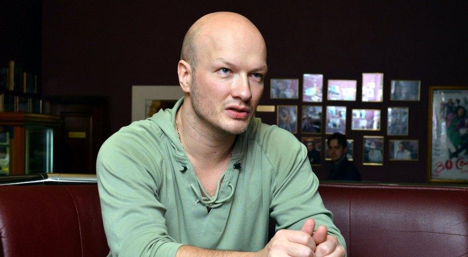 «У девушек заклеивают»: Никита Панфилов рассказал, как снимались интимные сцены в«Сладкой жизни»
