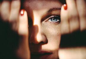 Кроме недосыпа и карантина: 5 причин, почему у вас темные круги под глазами