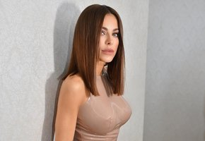 Ани Лорак пришла на премию МУЗ-ТВ с дочерью