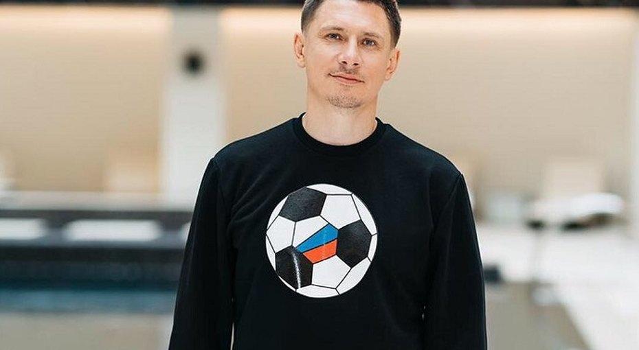 Тимур Батрутдинов принял участие воткровенной фотосессии собнаженными моделями