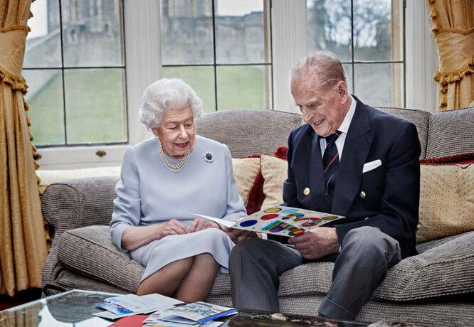 Королева Елизавета II является четвероюродной сестрой принца Филиппа