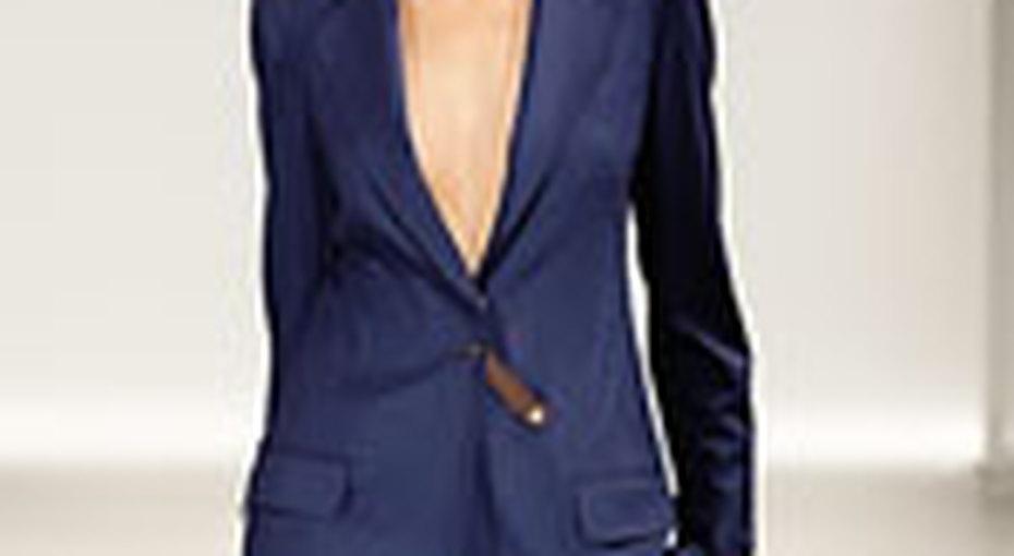 Вещь месяца: синий костюм