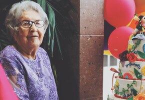 «Жирное молоко и виски». 106-летняя англичанка раскрыла секрет борьбы с ковидом