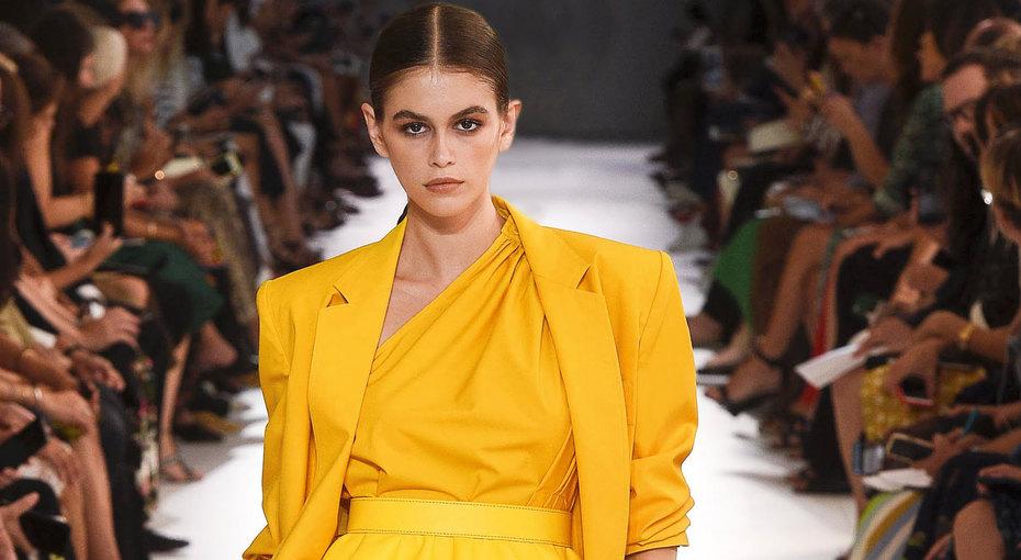Желтый жакет, юбка вполоску, платье спринтом - счем сочетать главные вещи сезона
