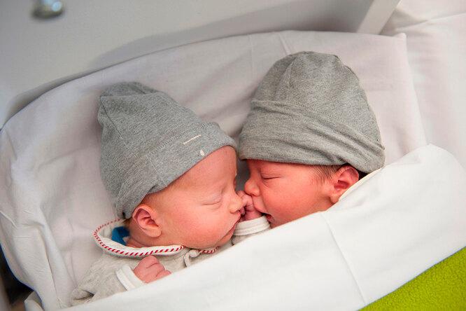 «Обещала родить ему»: близнецы появились насвет через3 года после смерти отца